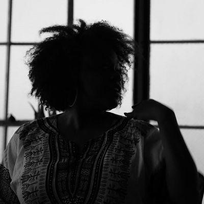 Capturedbyvictorious - The Light loves Singer @melamachinko and so does the eye. Photo Exhibit soon come. Lastnightonearth BrooklynBlues Nowforthehashtags Monochromeporn Canon5dmarkiii Naturallightphotographer IShootBlackAndWhite Itsallintheeyeschico Naturalhairdaily Blackphotography Canonporn Blackwomenrock Blackandwhiteisworththefight Blackgirlsrock Livemusicphotography Capturedbyvictoriousdecosta Grapegate MonochromePhotography Naturalista