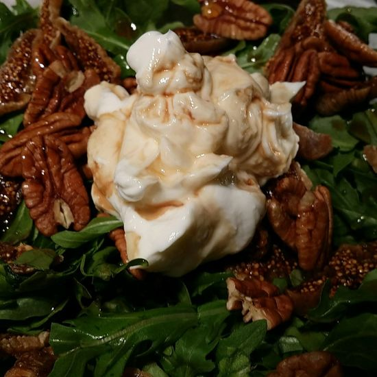 arugala figs greek yogurt pecans maple syrup balsamic vinegar Cook For Your Self Brewhouse Grille EAT WELL Beer Food