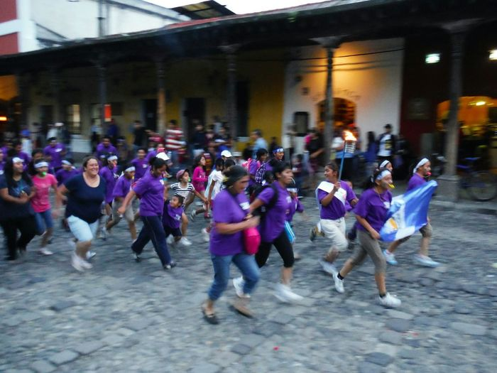 Running of the torch Día De La Independencia Antigua Antigua, Guatemala AntiguaGuatemala Antigua Guatemala Lifestyles Latin Culture Outdoors Lifestyle Streetphotography Street Photography Street Life On The Street Large Group Of People Real People Celebration Parade Running Motion Independence Day Guatemalan Culture Happy People Torch Burning Flame Togetherness