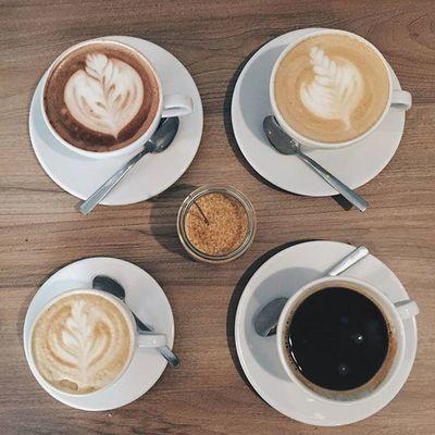 Poniedziałkowe wybory o poranku są zawsze trudne, wiec może czas wybrać się do Kawy Rzeszowskiej? Nasz barista pomoże i doradzi Wam w wyborze kawy, która idealnie będzie pasować do Waszych preferencji i na pewno znajdzie jakąś alternatywę która przypadnie Wam do gustu. Zapraszamy do nas Kawa Rzeszowska ul. Kościuszki 3 w podwórzu. Rzeszów Rzeszów Coffee Coffeetime Barista Aeropress s Mobilnakawiarnia Kawa Instamood Instagood Instalove Instacoffee Igersrzeszow Kawarzeszowska Coffebreak Coffeetogo Coffeelove Love Photooftheday Happy Bestoftheday Instamood Herbata Kawasamasięniezrobi Kawarzeszowska kawiarnia chemex syphon fot: @GPOCZATKO