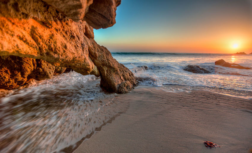 Los Angeles, California Malibu Meer Strand Beauty In Nature Branch Day Felsen Horizon Over Water Nature No People Outdoors Rock - Object Sea Sky Sonne Sunset Wasser Water EyeEmNewHere California Dreamin