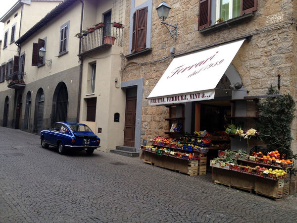 Italianstyle Market Old Town Old-fashioned Bluecar Building Exterior Car City Italianstreets No People Outdoors Sanpietrini Street Stylish Car Vintage Cars