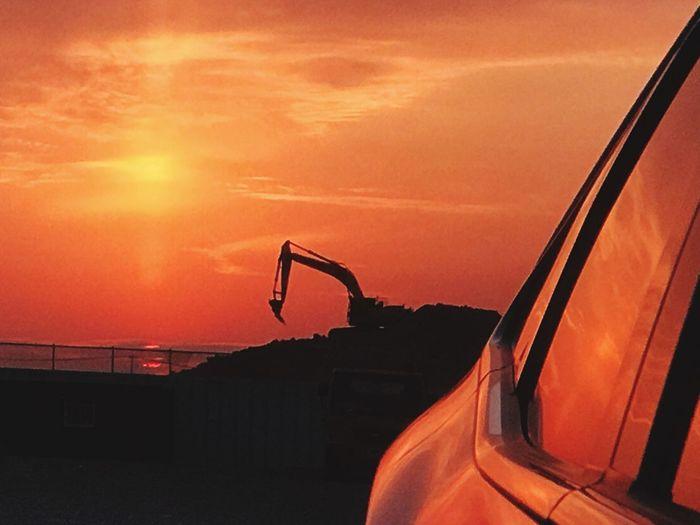 Painting With Light 그랜져 굴삭기 포크레인 노을 Changwon 오리나무뜰 Sunset Orange Color Sky Mode Of Transportation Transportation Car Land Vehicle Nature Cloud - Sky Sun Beauty In Nature
