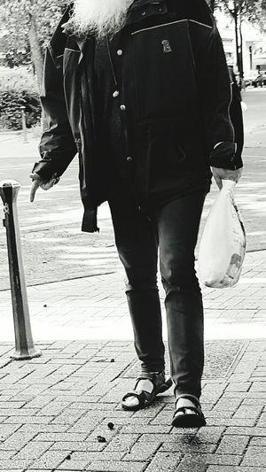 Portrait Black And White Portrait Taking Photos Blackandwhite Photography My Point Of View City Life Talking Photo Headless My_headless_collection Headless_collection People Of EyeEm Man Portrait Streetphoto Galaxy S7 Edge Street Life My City Portrait Photography Portrait Of A Man  Headless Men Shopping Time Showcase June Street Photography City Street After Shopping