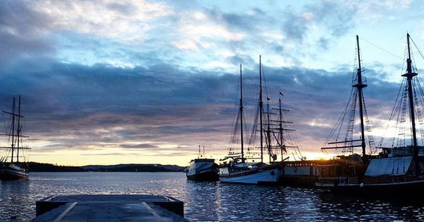 Enjoing the breathtaking sunset Oslo Norway Sunset Interrail2016 Interraileu Interrailing Interrailers Nursesonrail Neverstopexploring