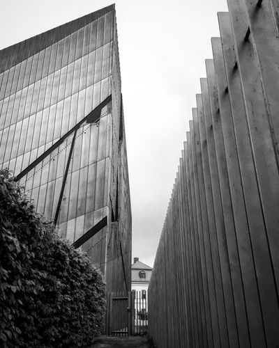 Architecture Building Exterior Built Structure Modern Low Angle View Outdoors Day City Museum Berliner Ansichten Bnw Monochrome Photography Streetphotography Monochrome Blackandwhite Black And White Blackandwhite Photography Black & White No People In A Row The Way Forward Architecture Low Angle View Fence