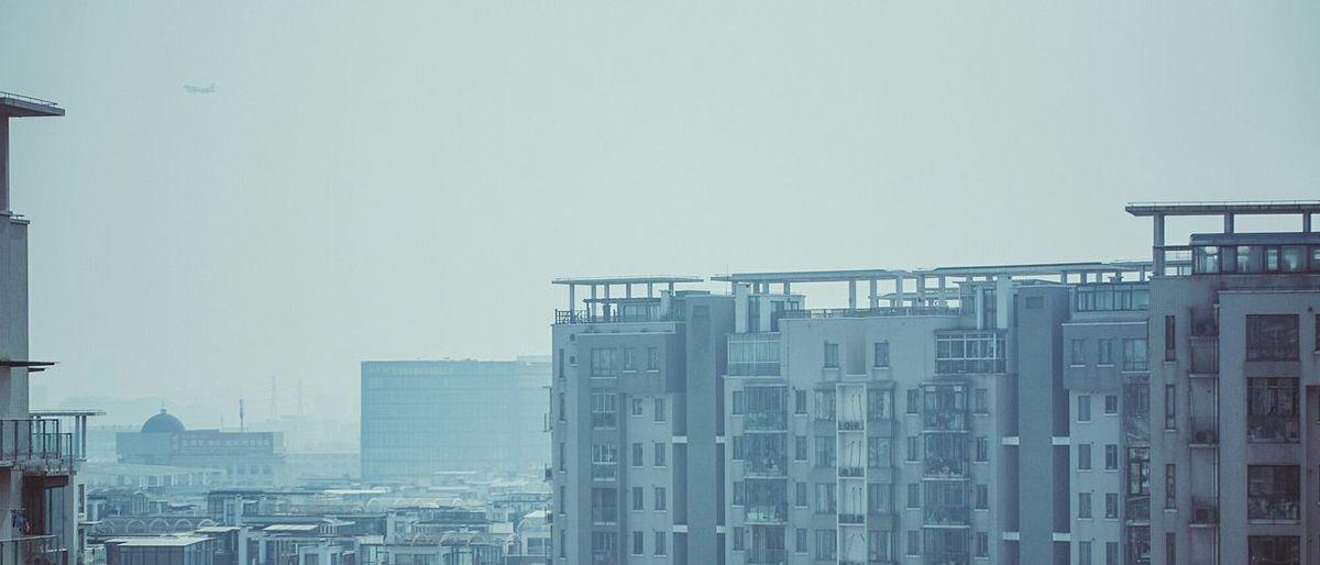 一次发个够 哈哈哈 单看还行 放在相册里太素了 Shanghai China Taking Photos Nikon D750 Nikond750 Tamron 70-200mm 我家门前经常有飞机