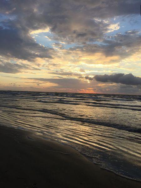 The sun rises Beach Beachphotography Dramatic Sky Horizon Over Water No People Outdoors Scenics Sunrise Dawn Sunset Tranquility