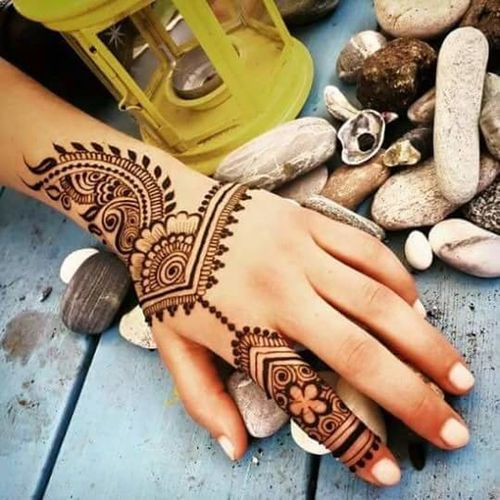 Taking Photos Enjoying Life Check This Out Henna Tattoo ❤ First Eyeem Photo Eid Mubarak Hello World Check This Out Hello World Taking Photos Henna Art Selective Color Henné ♡♡