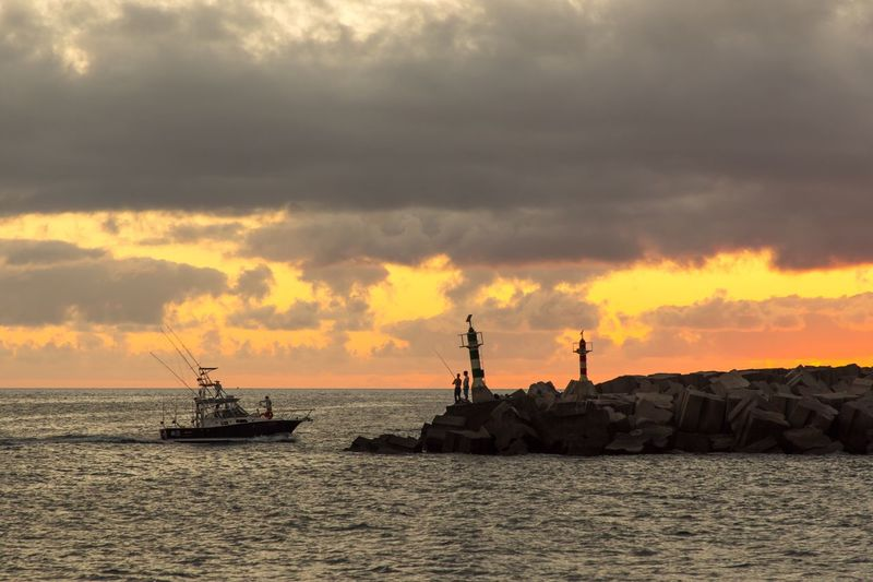 Sea Sunset Nautical Vessel Sky Mode Of Transport Cloud - Sky Water Waterfront Transportation Nature Outdoors Beauty In Nature No People Horizon Over Water Sailing Scenics Day Offshore Platform Drilling Rig
