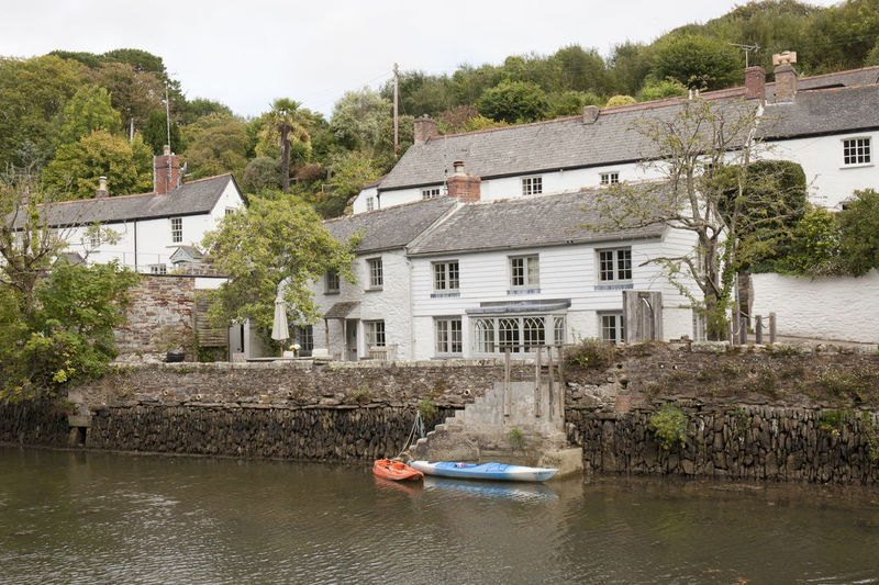 Helford River Riverside Tranquil Trees Boat Building Exterior Day Helford Homes Kayak River Water White