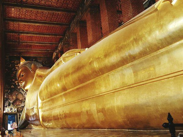 Lying Budha