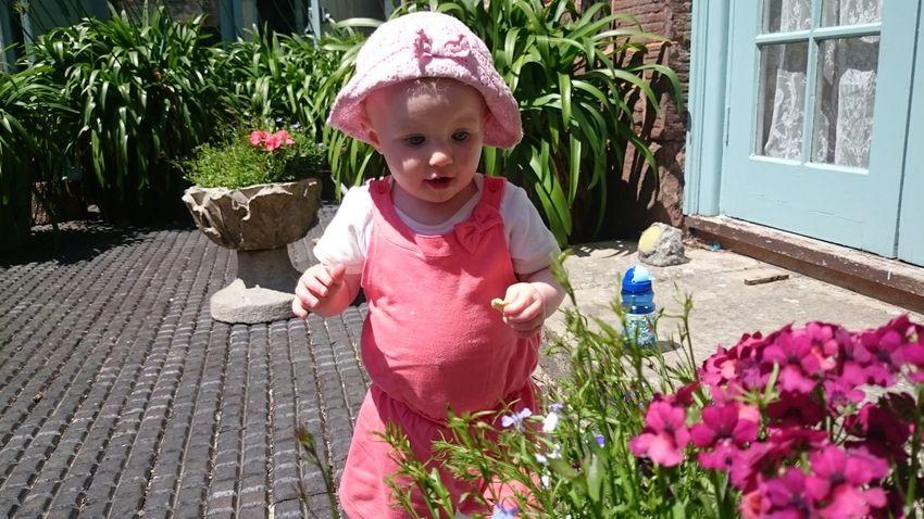 Kids Having Fun Flowers,Plants & Garden Exploring Nature ExploreEverything