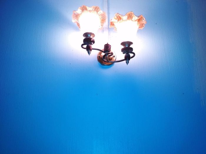Deco lamp on the blue wall Lamp Design Design Blue Walls Blue Wallpaper Wallpaper Wall Art Wallpapers Lamplight Lamps And Lighting Lamp Blue Lamp Home Lamp Stunt Blue Teamwork Togetherness Clear Sky RISK Danger