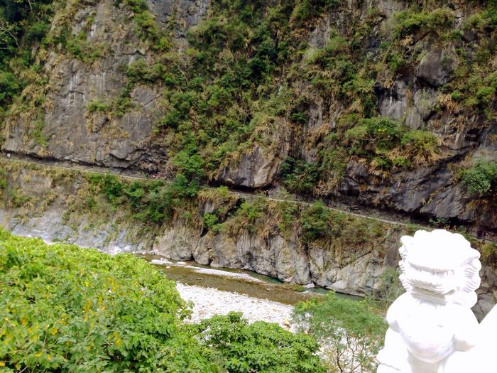 Plank Valley National Park 由山壁開鑿出來的砂卡礑步道