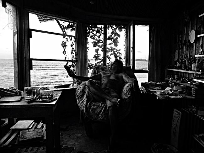 Me.- Robinson Crusoe Simplelife Blackandwhite Seaview Atelier Methoni Hut Selfie Me Window Real People Two People