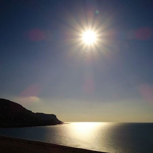 Autumn sunshine at Chesil beach Sun Coast Beach Sunshine Jurassiccoast Dorset Chesilbeach Portland Lovedorset Visitdorset Visitengland Autumn Sony Sonyalpha