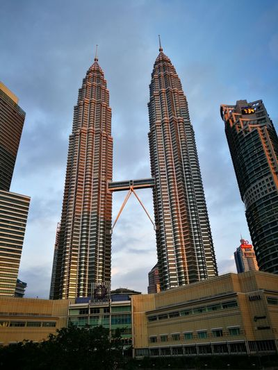 Skyscraper City Klcc Around Office Theme Is Red Today The Architect - 2017 EyeEm Awards
