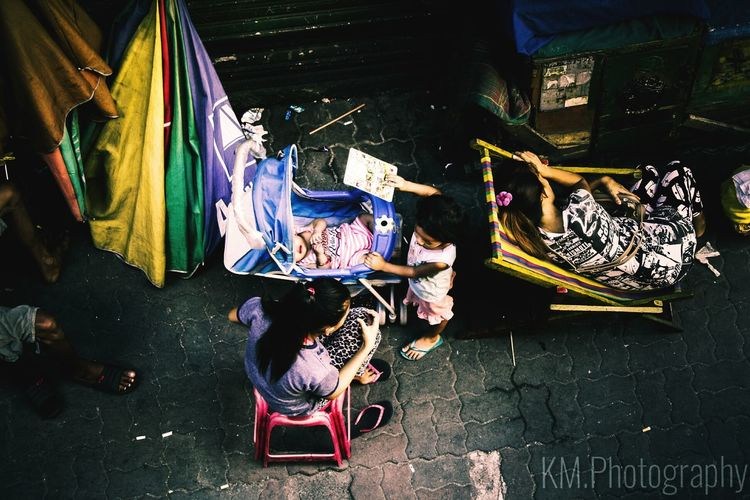 Day People Outdoor Photography Light And Shadow Sleeping Girl Babysitting People Photography Life Style EF-S18-55mm F/3.5-5.6 IS Canon Eos 1000d 5.13.17 The Street Photographer - 2017 EyeEm Awards