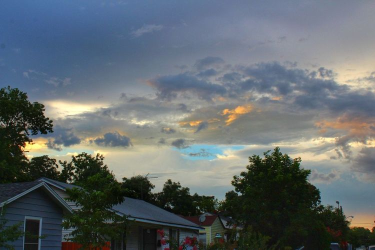 Tree Cloud - Sky Outdoors Architecture Built Structure Multi Colored Sky Building Exterior No People Day Nature Canonphotography Camera Life Is My Life! My Hobby 😁 EyeEmNewHere Eyeemphotography Beatiful Sky After The Rain Colorful Clouds