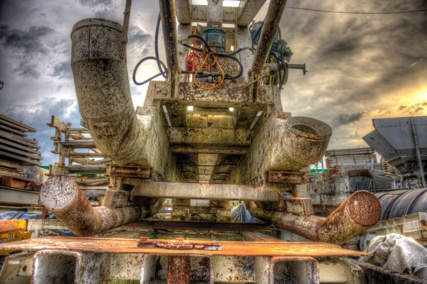 DDESIGN HDR PICTURE EyeEm Best Shots HDR First Eyeem Photo Cloud - Sky Sky No People Nature Day Architecture Outdoors Machinery Water Technology Mode Of Transportation Metal Transportation History Plant Built Structure Industry Motor Vehicle Building Exterior EyeEmNewHere The Creative - 2018 EyeEm Awards Creative Space The Creative - 2018 EyeEm Awards