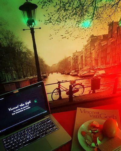 Wat ik doe, terwijl jou slaapt 🍊📖🎨 Sleepless Night Watching VincentVanGogh Painter Lifestyle Documentary Amsterdam Style Redligh Orange Apple