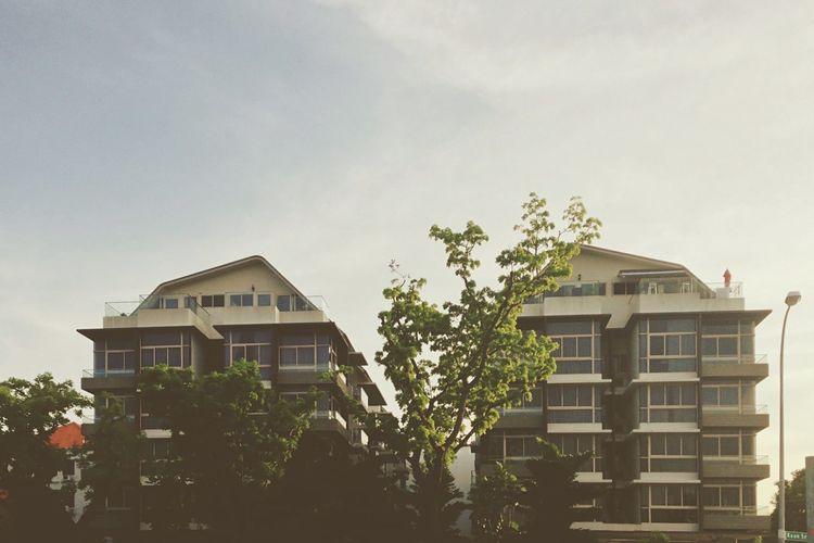 90s low rise condominiums . Suburban Housing The Architect - 2016 EyeEm Awards Suburban Singapore Low Rise Housing Architecture Condominium Architecture 90s Condominiums