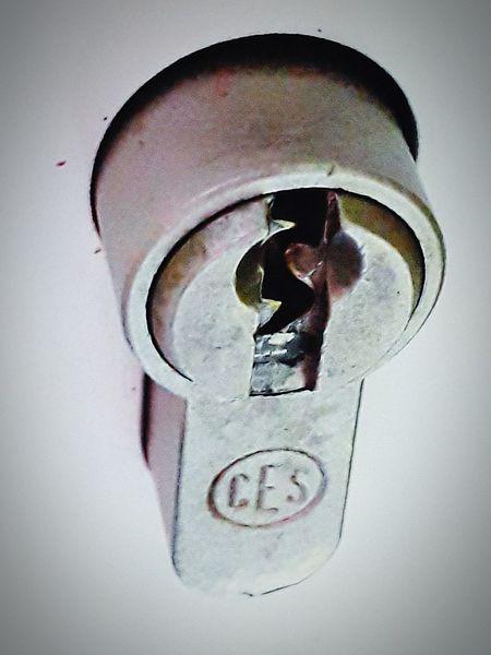 Keyhole Key Ring