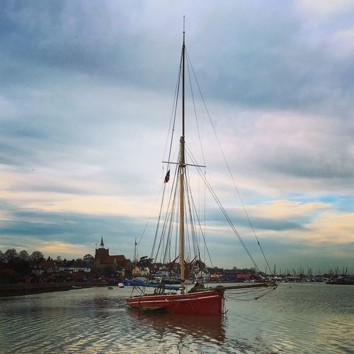 Maldon Essex Sailing Boat River Floating Winter The Great Outdoors - 2017 EyeEm Awards