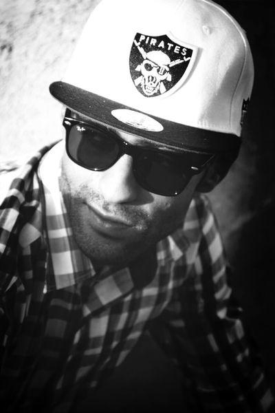 Unkut Blackandwhite Pirates Sunglasses