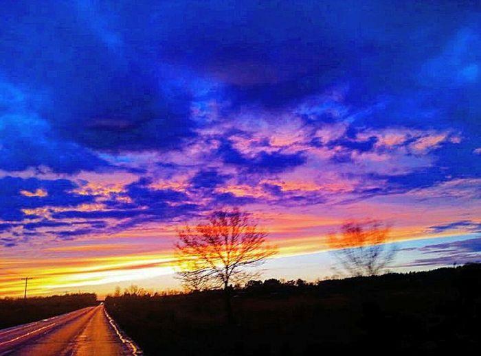Sunset Sunset #sun #clouds #skylovers #sky #nature #beautifulinnature #naturalbeauty #photography #landscape Outdoors Nature Ontario Iamcanadian Canada Countrylife Country Living Paintedsky Sunrise_sunsets_aroundworld