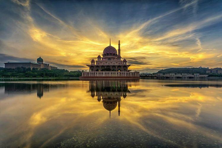 Sunrise Mosque
