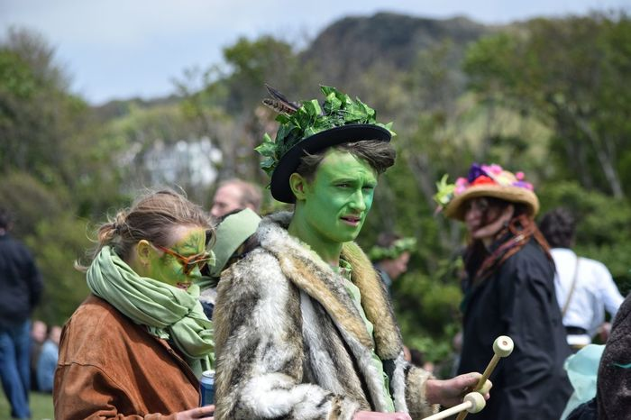 Jack In The Green Festival Jack In The Green Hastings East Sussex May Day 2017 Pagan Pagan Festival Green Color One Man Only Celebration Face Paint Headwear Young Adult Togetherness Green Color Tradition Arts Culture And Entertainment Traditional Festival Celebration Cultures Happiness Multi Colored Smiling Rural Scene Live For The Story Sommergefühle
