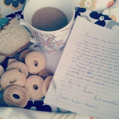 Café na cama com cartinha . Melhor coisa desse MUNDO. EU TE AMO @evelyndelsotto !!!!!!!!!!!!!