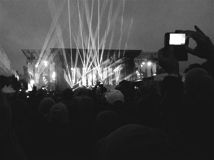 Electronic Music Shots Showtime Black & White Live Music Out Of Control Crowd Spotlight Loud Sound Clear View Band Stand Scream Out Music Fans In Black And White Power Sound