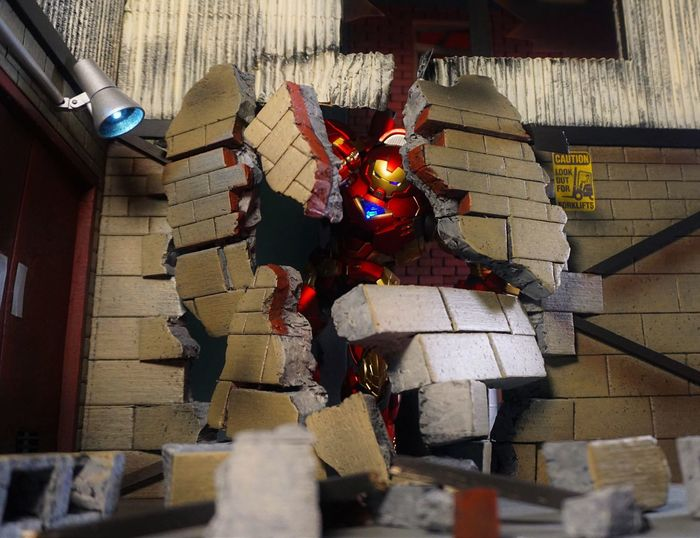Destruction Warehouse RE:EDIT Sentinel Diorama Action Figures Marvel ACBA Toys Toyphotography Ironman Hulkbuster Actionfigure Superheroes