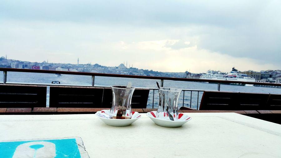 Cay daha herseyin bitmediginin göstergesidir... çay Vapur Istanbull EyeEm Nature Lover Istanbulove Eminönü üskürdar