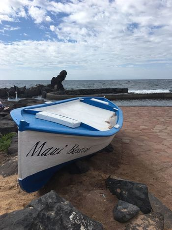 Sea Beach Horizon Over Water Sky Nautical Vessel Water Outdoors Sand Tranquility Day Travel Destinations Coastline Men One Animal Beauty In Nature Scenics Nature Cloud - Sky Rowboat Pedal Boat