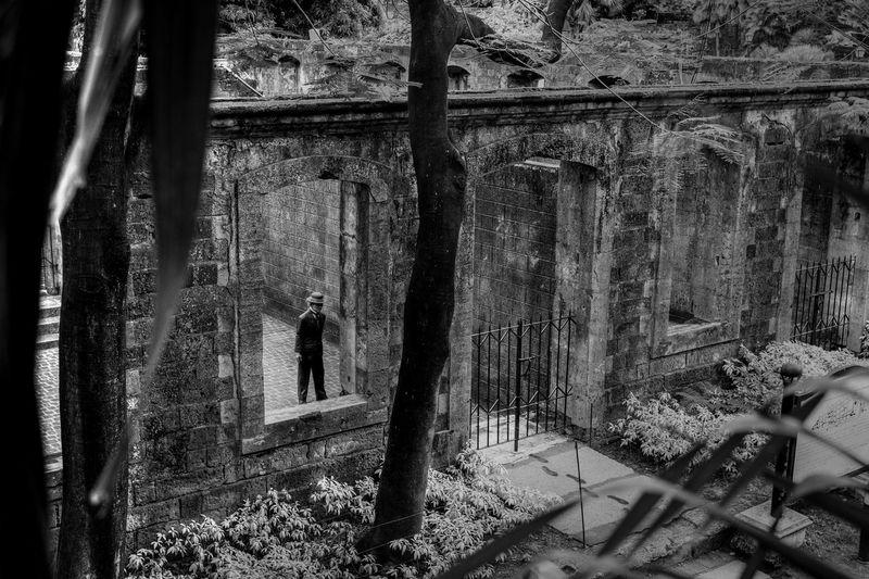 Jose Rizal National Hero Of Philippines Black And White Bayani Jose Rizal Fort Santiago  Hereos Pilipinas Tree Window Close-up