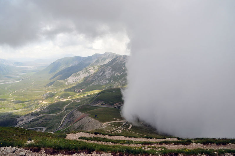 Beauty In Nature Campo Imperatore Cloud Cloud - Sky Cloudy Day Gran Sasso Gran Sasso D'Italia Grass Idyllic Landscape Mountain Mountain Range Nature Non-urban Scene Outdoors Physical Geography Remote Scenics Sky The Great Outdoors - 2016 EyeEm Awards Tranquil Scene Tranquility Valley Weather