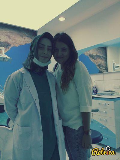 Diş doktorum onu çok seviyorum :)