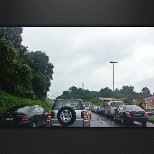 Can somebody tell me where in the Brunei Highway Code it says it's ok to overtake on the road shoulder? CurseYouQueueJumpers InstaBruDroid Andrography