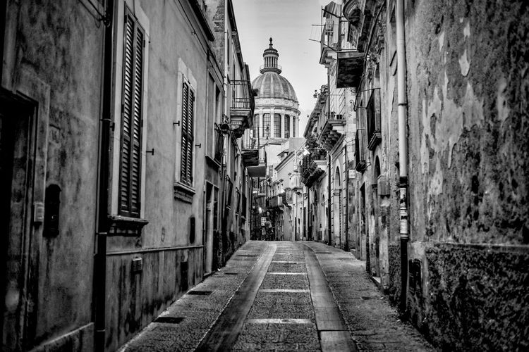 Ragusa Ibla, il duomo Architecture Black And White Curch Ibla Old Town Scorcio Sicily Walkway