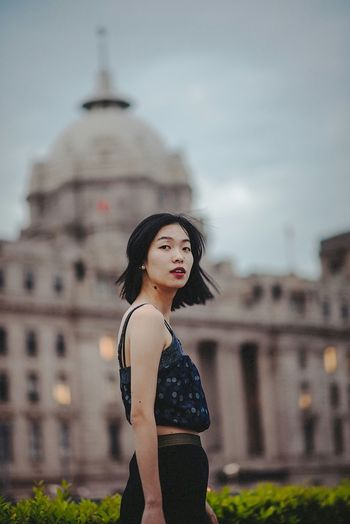BABYGHOST Portrait Streetphotography The Bund Shanghai Taking Photos Getting Inspired Hello World Nikon 35mm