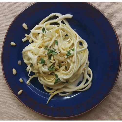 Zoodle Alfredo Healthy Food Zoodles Foodphotography Pinenuts Italian Food Comfort Food