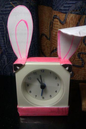 A little little clock, A little little rabbit.