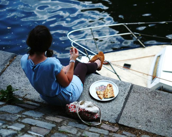 Berlin summer vibe. Pizza Pizza Time Water Yacht Summer Soaking Up Sun Street Photography Riverside River The Essence Of Summer