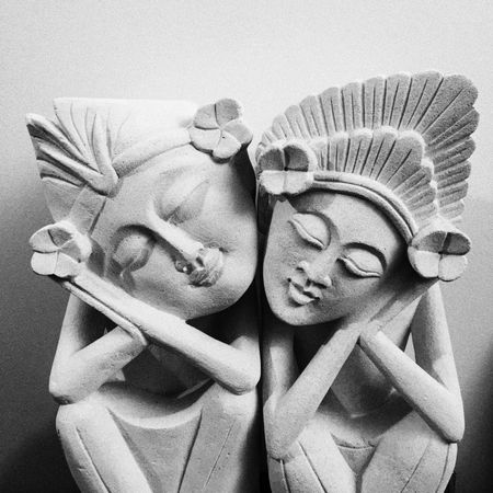 Bnw_friday_eyeemchallenge Bnw_friday_love love always Blackandwhite Photography Sculpture Love Two People Couple - Relationship Close-up Statue
