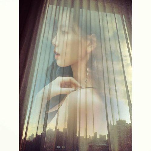 simple taeyeon looking through windowTaeyeon Idol SNSD Soshi Sone GirlsGeneration