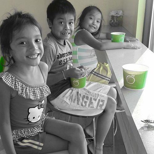 Kids' new favorite place Peachwave Frozenyogurt